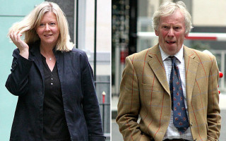 Lecturer Rupert Ashmore after 2 years of suit agreed to pay to his former partner £275,000