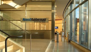 Newell Rubbermaid bought the rival company Jarden Corp for $ 13.2 billion
