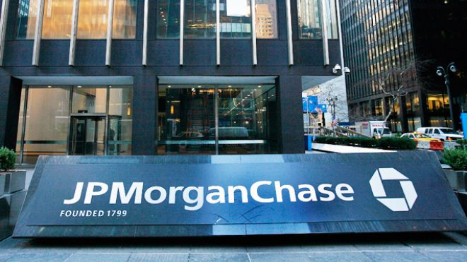 Prosecutors accuse the former employees of JP Morgan of stealing funds from dormant customer accounts