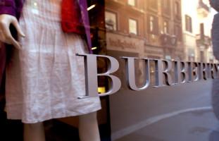 Burberry  выступит ответчиком в суде по делу о фальшивых ценниках
