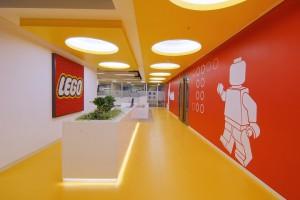 Lego открыла свой крупнейший в мире магазин в Шанхае