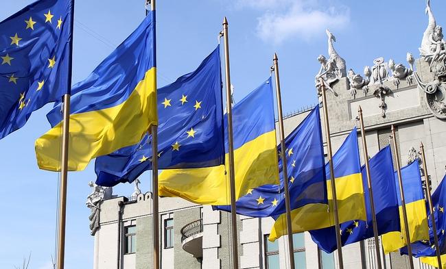 """""""Укрзалізниця"""" і """"Фінінпро"""" уклали мирову угоду на 500 млн грн"""