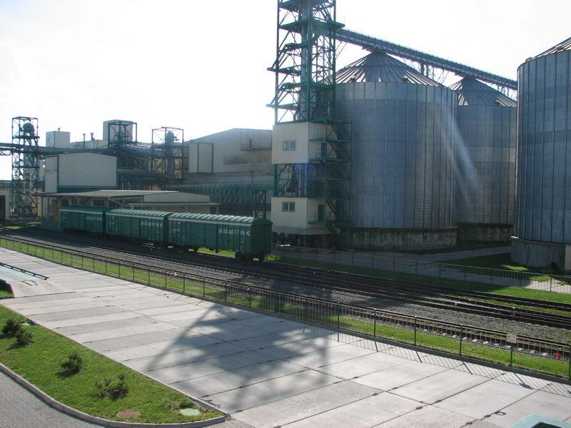 Дрогобицький завод автокранів відновив виробництво спецтехніки для ЗСУ