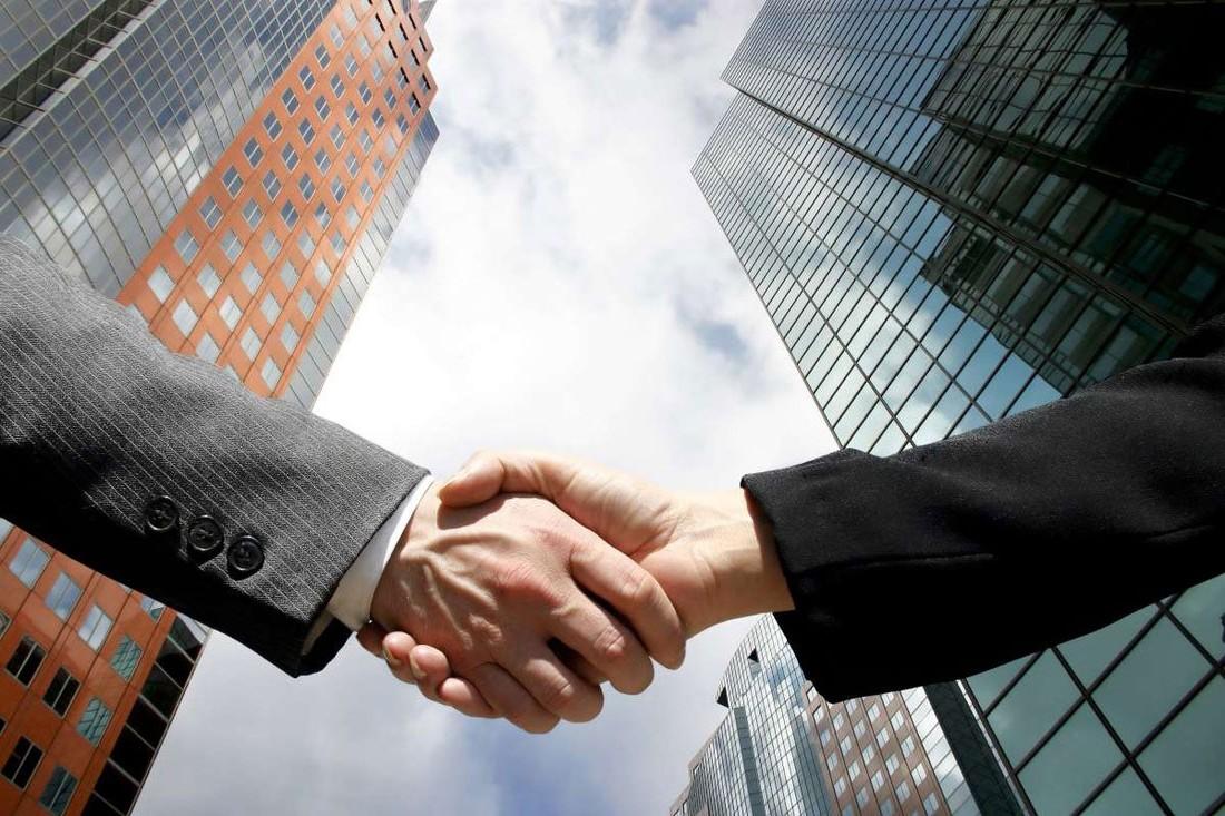 Geely и Mercedes-Benz создают совместное предприятие для выпуска умных электрокаров