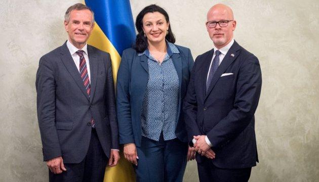 БанкБот угрожает украинцам
