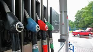 Через АЗС світлих нафтопродуктів і газу продали на 335,2 млн грн