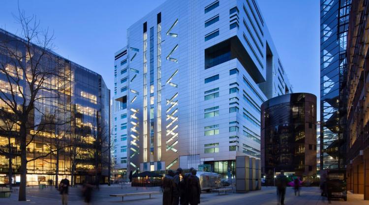 Холдинг гонконгского магната купил офисное здание в Лондоне за $1,32 млрд