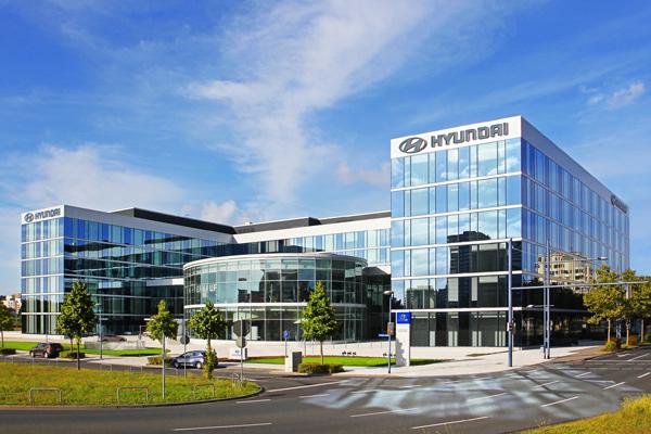 «ПриватБанк» заблокував підозрілі операції на 880 млн грн