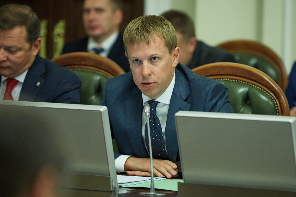 Співробітники Державної фіскальної служби України провели митний догляд та опломбували міжнародні поштові відправлення Укрпошти