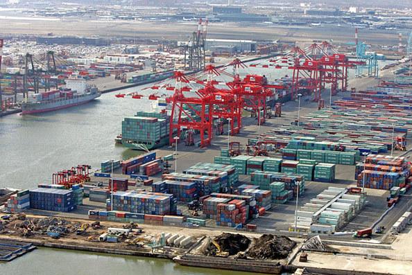 США зняли заборону на торгівлю з китайською ZTE