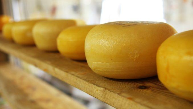 Бізнес з виготовлення сирів Kraft купить Arla Foods