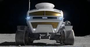 Toyota собирается отправить на Луну свой транспортер