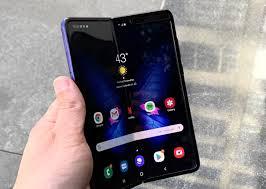 Best Buy анулює попередні замовлення на Samsung Galaxy Fold
