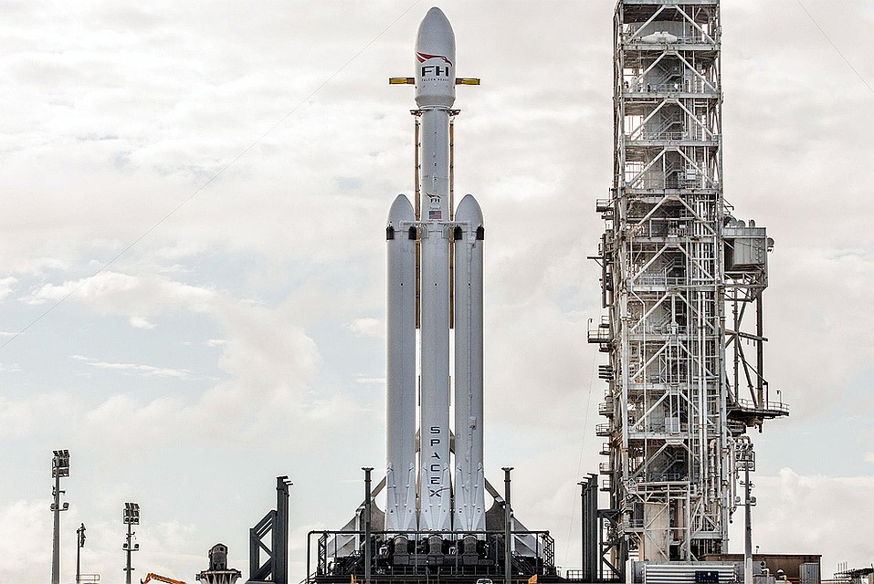 SpaceX отправили ракету с 60 спутниками на борту