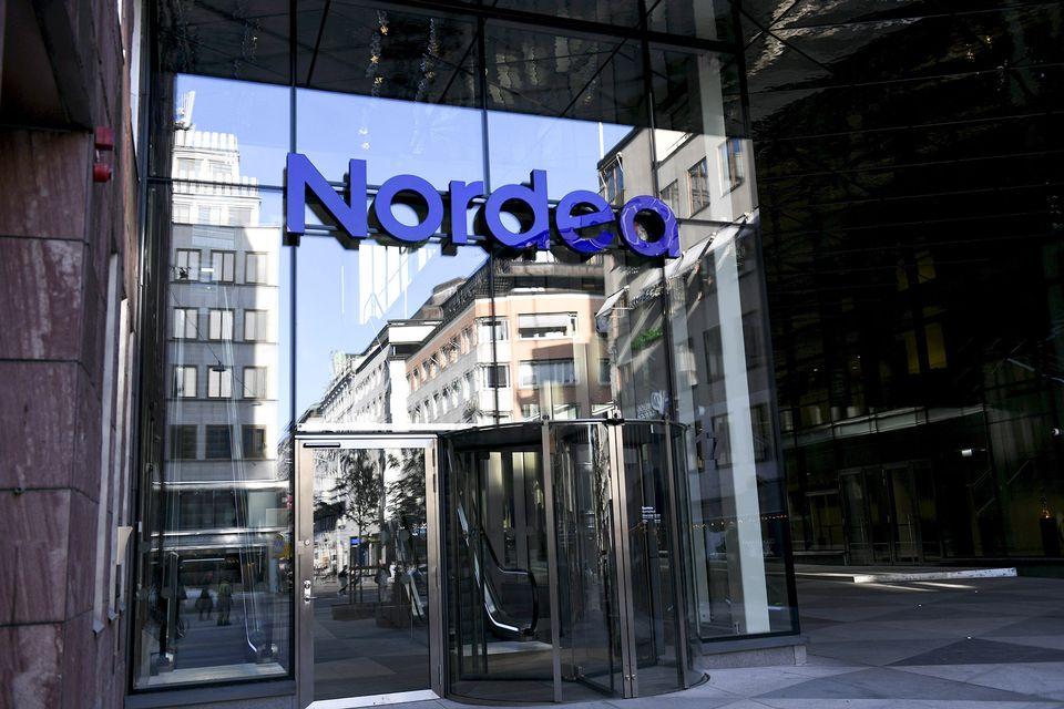Фінські банки хочуть замінити персонал роботами