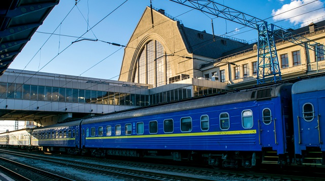 «Укрзалізниця» з 2020 року почне передавати вокзали в приватну власність