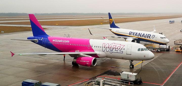 Wizz Air и Ryanair отменяют полеты из Украины в Польшу из-за коронавируса