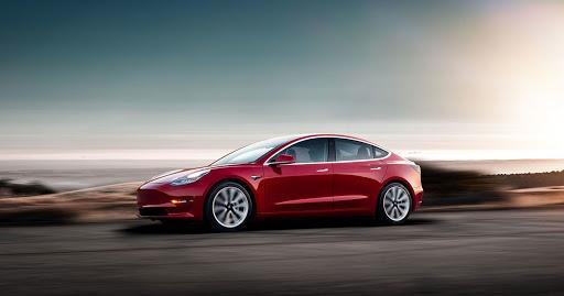 Продажи Tesla Model 3 в Китае упали на 64% в апреле