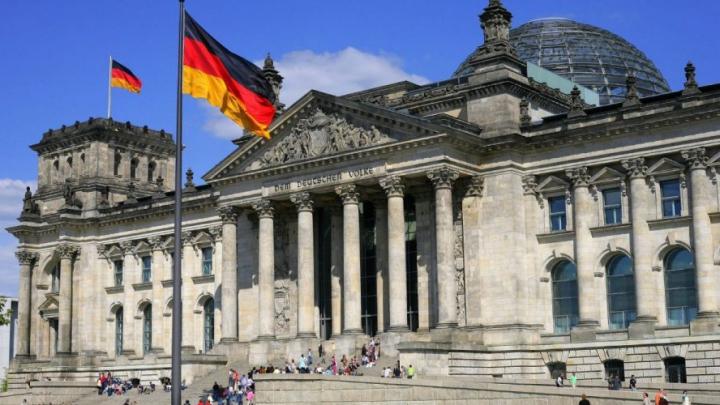 Правительство Германии взяло в долг €4,14 млрд из-за коронавируса