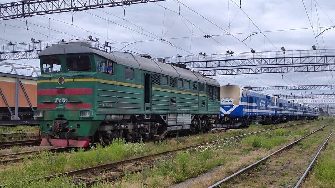В Киеве суд арестовал тепловозы и вагоны на 90 млн