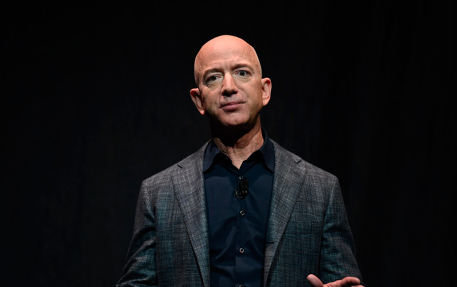 Jeff Bezos' Wealth Soars to a Record $180 Billion