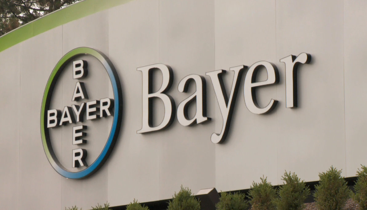 Bayer suffered a net loss of 8.1 billion euros in the first half against a year earlier