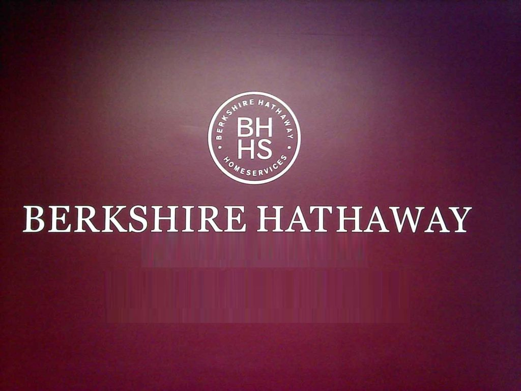 Berkshire Hathaway sells shares of US banks by buying 21 mln. shares of Barrick Gold for $ 563 million