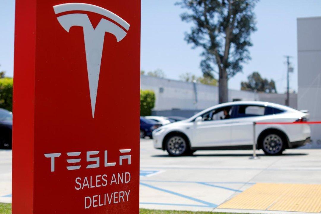 Tesla дробит акции 5 к 1