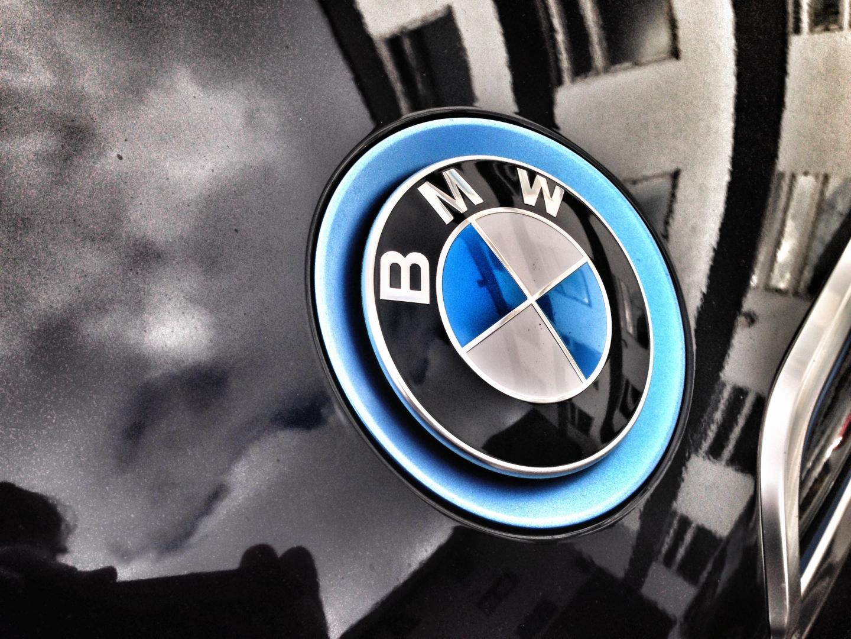 Чистая прибыль BMW в I полугодии упала почти в 6 раз