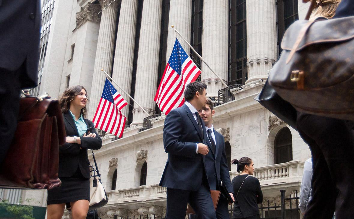 В апреле-августе за счет продажи бондов в США компании привлекли более $900 млрд