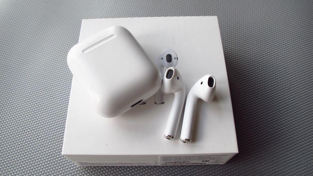 Apple выпустит новые AirPods в 2021 году