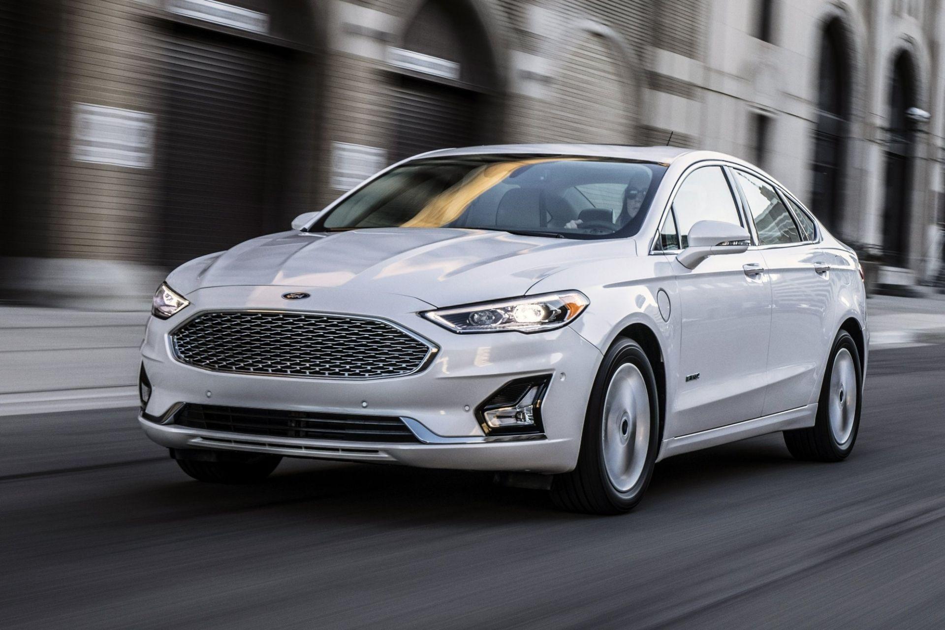 Ford до кінця року припиняє випуск всіх марок своїх седанів