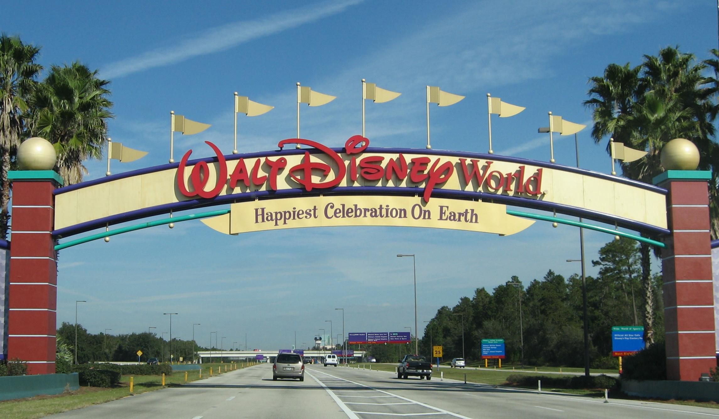 Disney звільнить 28 тисяч співробітників Діснейлендів