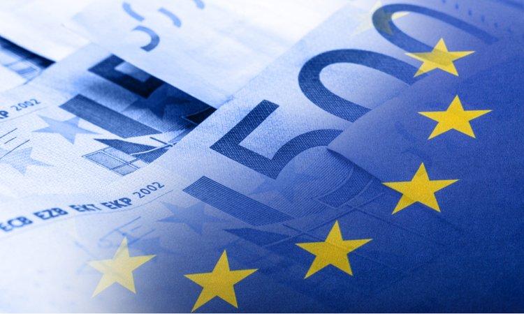 Экономика еврозоны может сократиться на 8-12%