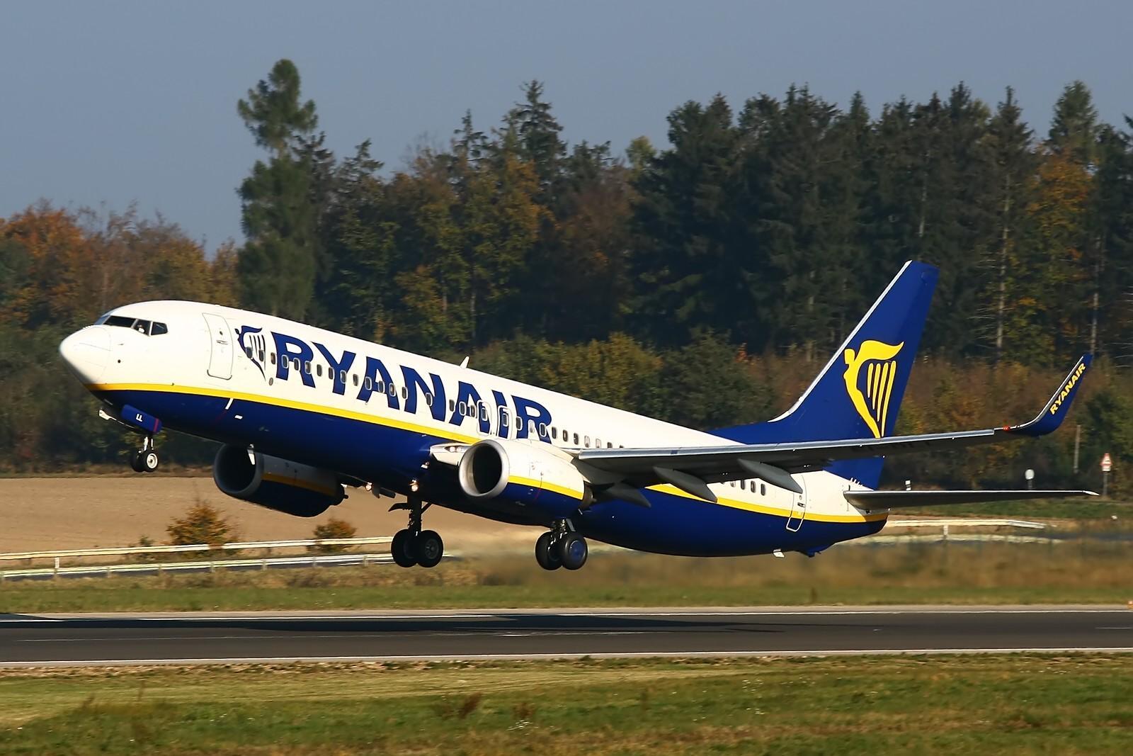 Ryanair сократит количество рейсов