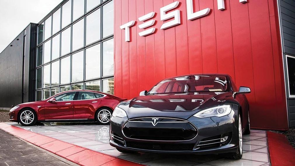 Tesla отчиталась о пятом прибыльном квартале подряд и рекордной выручке