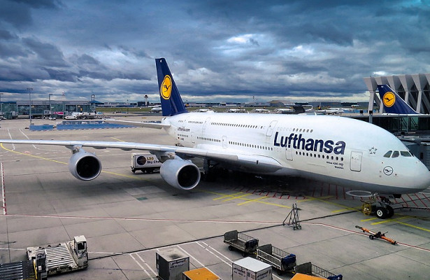 Lufthansa з весни 2021 року відмовиться від безкоштовної їжі на борту своїх літаків