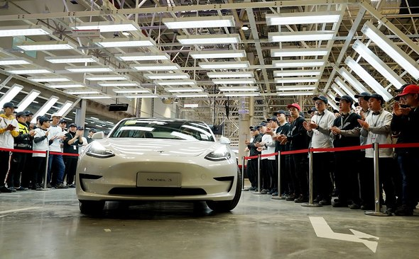 Китайці поставили рекорд по покупкам Tesla