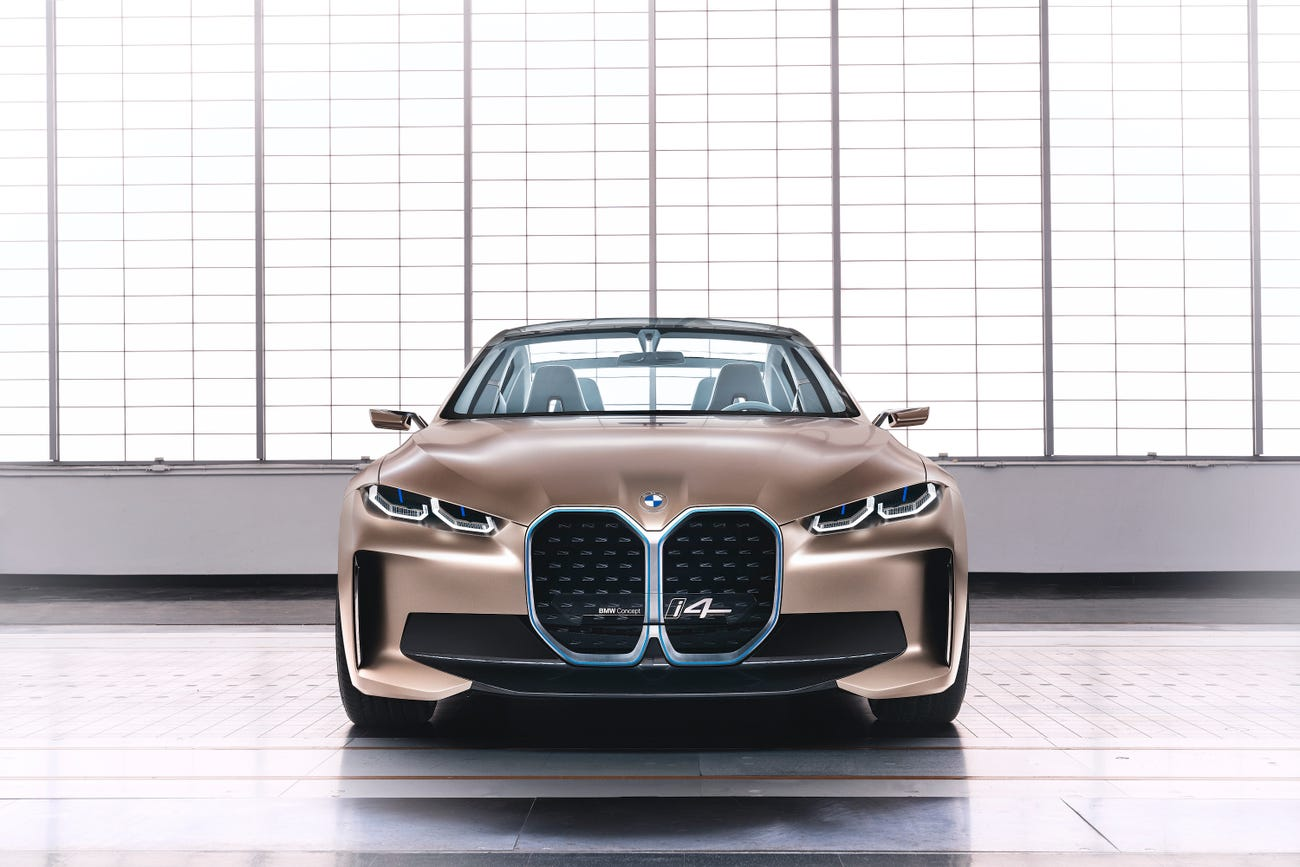 До 2023 року кожен п'ятий автомобіль BMW буде з електродвигуном