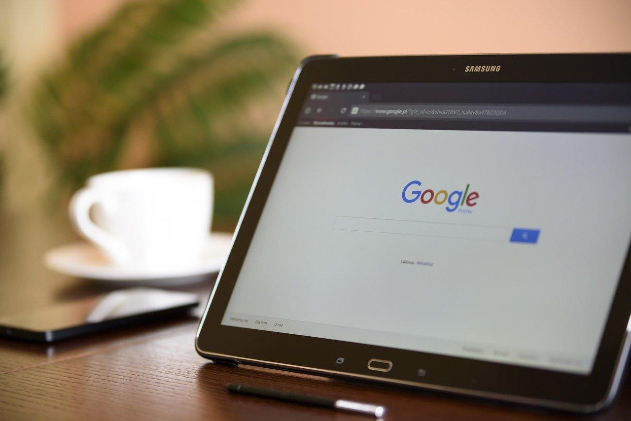 Google звинуватили в стеженні і незаконних звільненнях