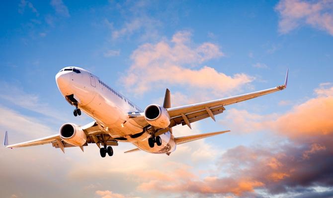 У Кабміні спрогнозували терміни відновлення авіасполучення України з ЄС