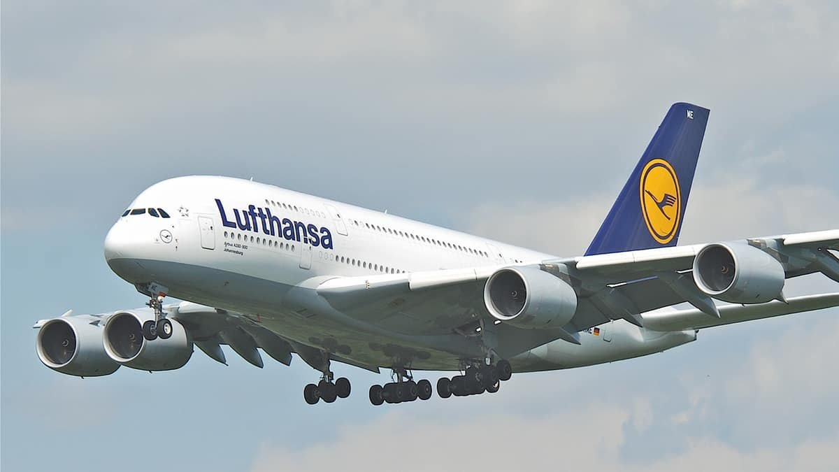 Lufthansa has announced large-scale job-cuts