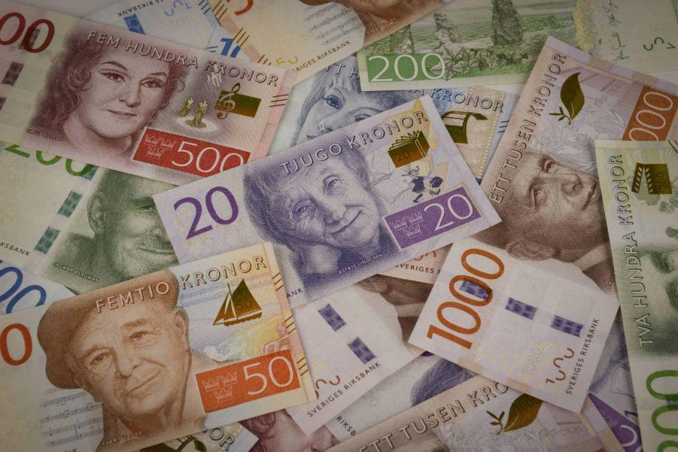Шведська крона стала кращою основною валютою світу у 2020 році