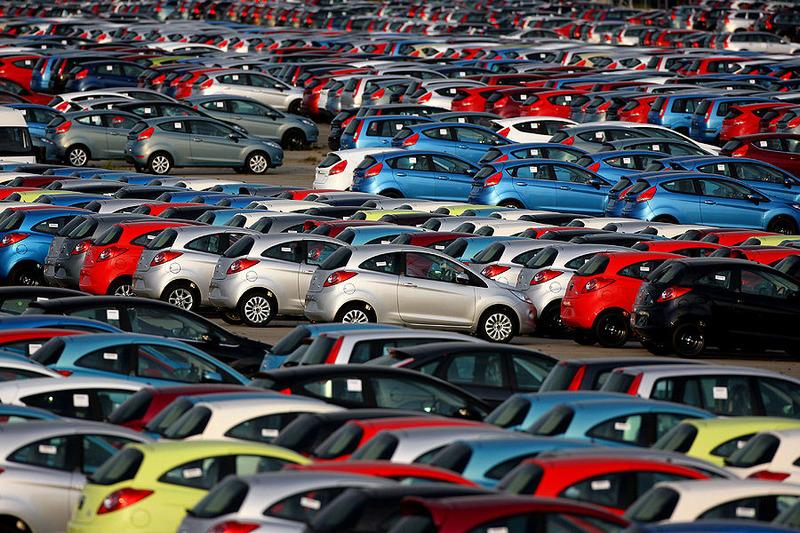 Автопродажи в Европе в ноябре упали на 13,5%