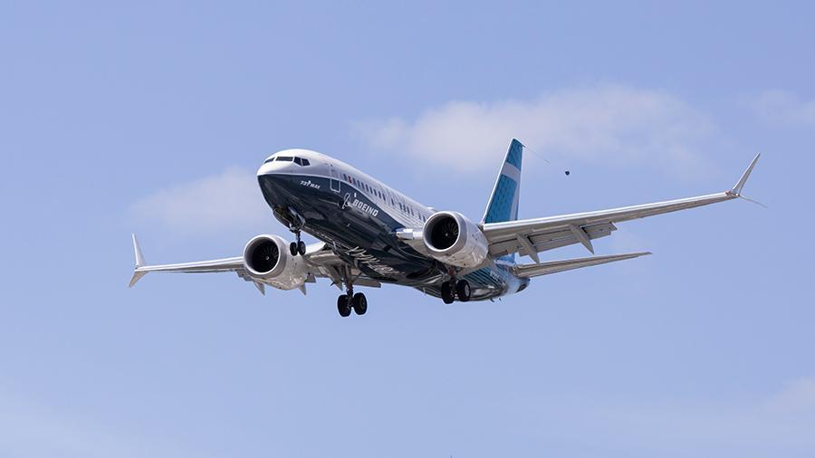 Boeing 737 Max совершил успешный перелет с пассажирами