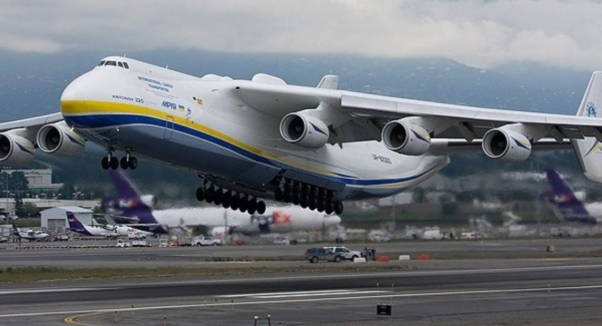 Повернулися до рівня 2003 року. Авіаперевезення у світі впали на 60%