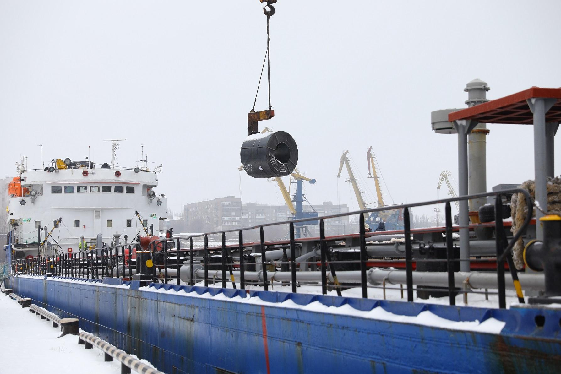 В 2020 году «Запорожсталь» отправил на экспорт 867 тыс. тонн  продукции через Запорожский речпорт