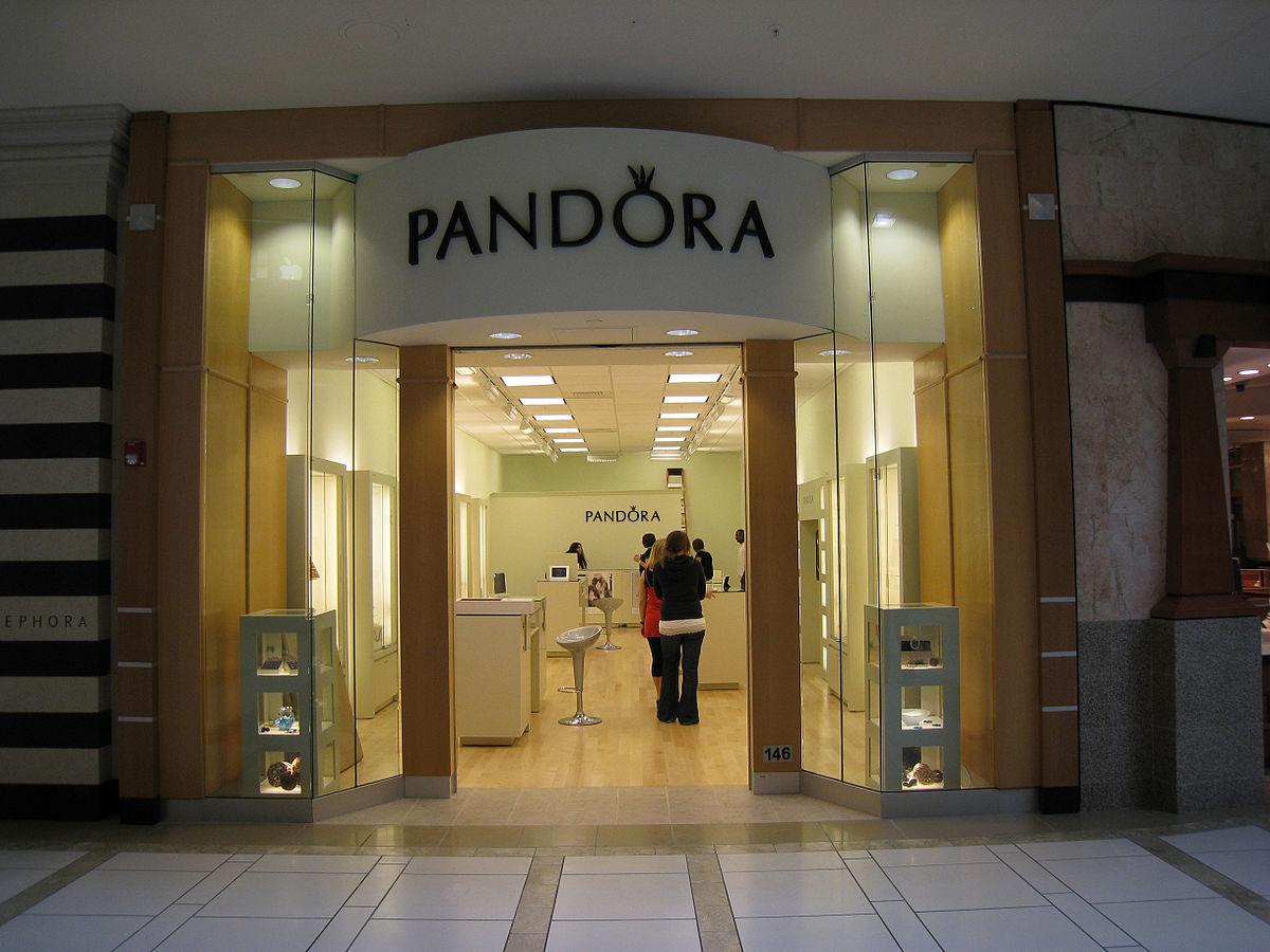 Ювелірний бренд Pandora відмовився від натуральних алмазів
