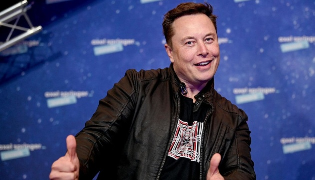 "Musk became the ""most expensive"" CEO in the United States"