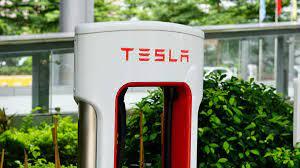 Стоимость компании Tesla превысила триллион долларов